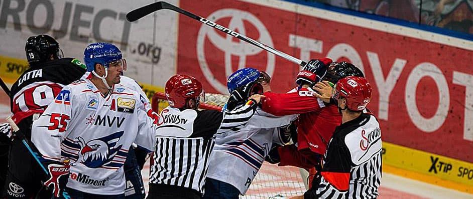 Jones kämpft gegen Mannheims N. Goc. Foto: McFly37.de
