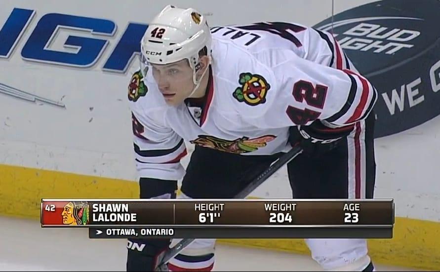 Shawn Lalonde in seinem NHL-Debüt für die Chicago Blackhawks gegen die St. Louis Blues
