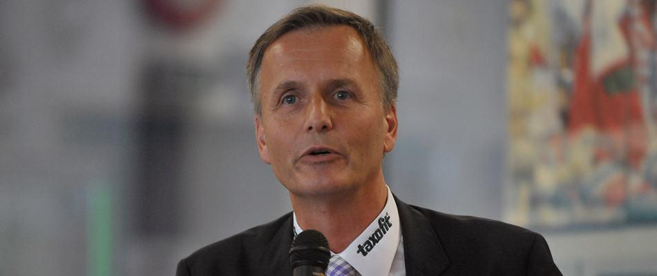 Peter Schönberger wurde als Haie-Geschäftsführer entlassen - Foto: Robert Heppekausen
