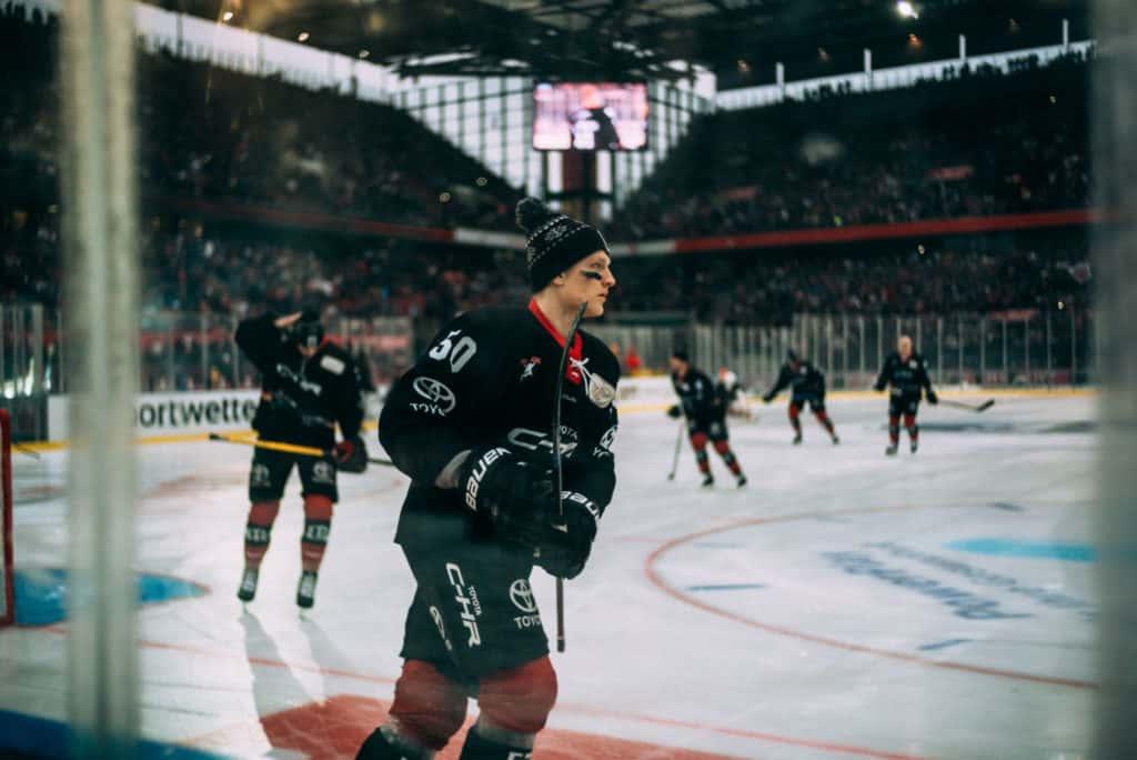 Alexander Oblinger beim Warm-Up zum DEL WINTERGAME 2019. Foto: Basti Sevastos.
